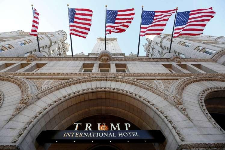 23172_2016-12-1T1272Z_1725625_RC1C5FBE0_RTRMADP__USA-TRUMP-HOTEL